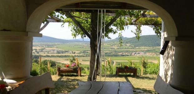 balatoncsicsói plébánia Balatoncsicsó közösségi felújítás Nivegy-völgy felújítás névjegyek hírek